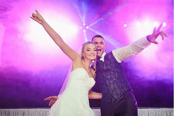 Faut-il engager un DJ pour son mariage
